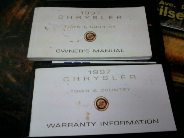 97 CHRYSLER TOWN AND COUNTRY VAN OWNERS MANUAL